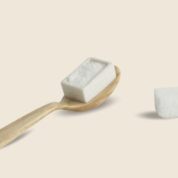 La Cubillère, cuillère mesure, doseur pour le sucre en poudre, en bois et céramique, Damien Béal