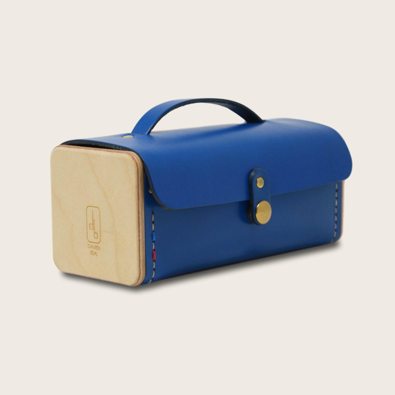 Trousse en cuir naturel à tannage végétal et bois, bleu électrique, Le Minimum