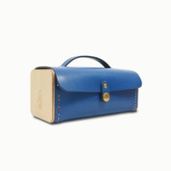 Le Minimum, pochette ou étui, sac à main, en cuir naturel et bois, bleu électrique, Damien Béal