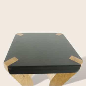 Tabouret en bois chêne massif et medium noir - Le Boomerang