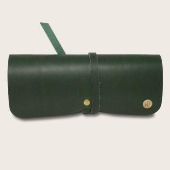Etui à lunettes, en cuir naturel à tannage végétal et bois, vert