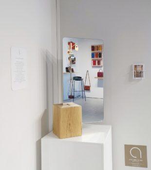Miroir, paravent, assise en bois - Biennale Émergences à Pantin, De l'autre côté du miroir
