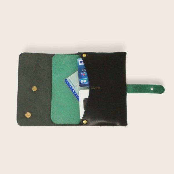 Portefeuille, porte-monnaie, XS, petit format, en cuir naturel à tannage végétal et bois, noir et vert