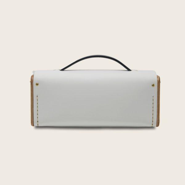 Petit sac bandoulière en cuir naturel à tannage végétal et bois, blanc et bleu marine, Le Minimum +
