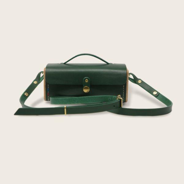Petit sac à main bandoulière en cuir naturel à tannage végétal et bois, vert, Le Minimum +