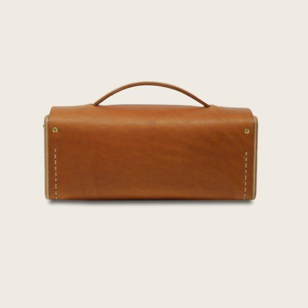 Petit sac à main bandoulière en cuir naturel à tannage végétal et bois, marron whisky, Le Minimum +