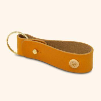 Le Porte-clés, en cuir naturel et bois, jaune Damien Béal
