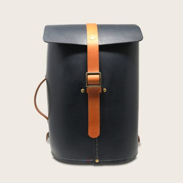 Sac à dos tout en cuir naturel à tannage végétal, bleu marine et marron whisky, Le No Wood