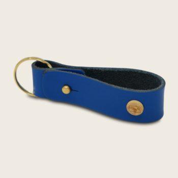 Porte-clés, en cuir naturel à tannage végétal et bois, bleu électrique