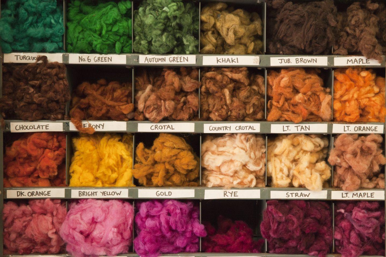 Echeveaux de laine teinte