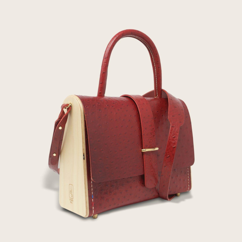 Sac à main féminin en cuir naturel à tannage végétal et bois, rouge imprimé autruche, La Ninetta