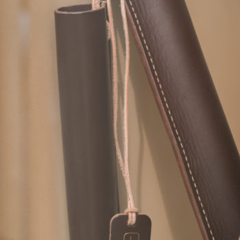 Etui fourreau du bâton en bois et cuir pour frapper les 3 coups au théâtre - Biennale Révélations 2019 Grand Palais ,Le Brigadier