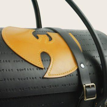 Sac de voyage en cuir naturel à tannage végétal et bois, logo du Wu Tang, pièce unique, Le Wu Bag