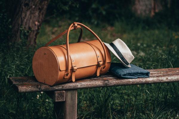 Sac de voyage en cuir naturel à tannage végétal et bois, miel, Le Pause Weekend