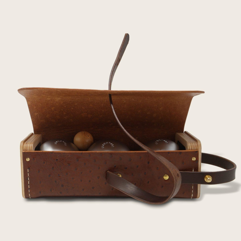 Etui à boules de pétanque en cuir naturel à tannage végétal et bois, marron imprimé autruche et chocolat, Le Bouliste