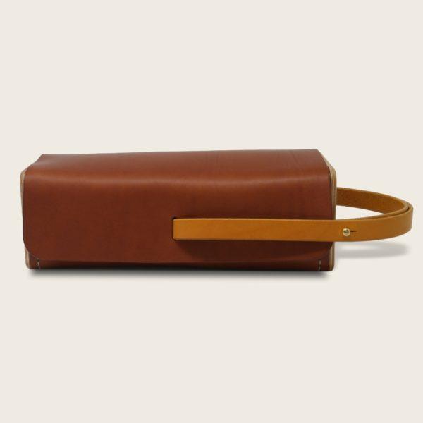 Etui à boules de pétanque en cuir naturel à tannage végétal et bois, marron papaya et jaune, Le Bouliste