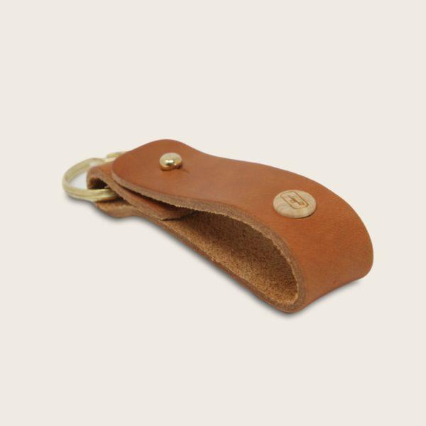 Porte-clés, en cuir naturel à tannage végétal et bois, marron whisky