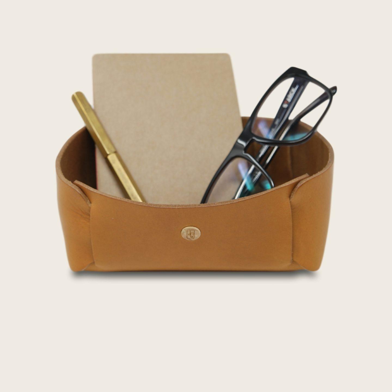 Vide Poche en cuir naturel à tannage végétal, miel, rangement pour meuble d'entrée ou bureau, Damien Béal